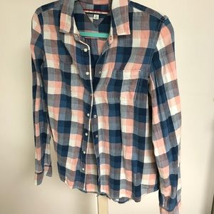 Tommy Hilfiger plaid light weight flannel